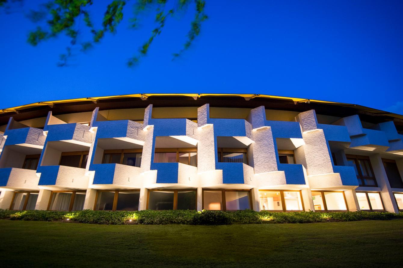 Architettura seehotel ambach for Architettura natura